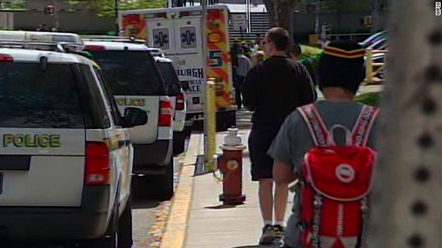 The University of Pittsburgh and federal officials continue to investigate bomb threats on Monday.