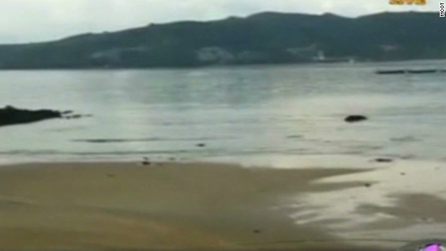 Water recedes from Thailand beach