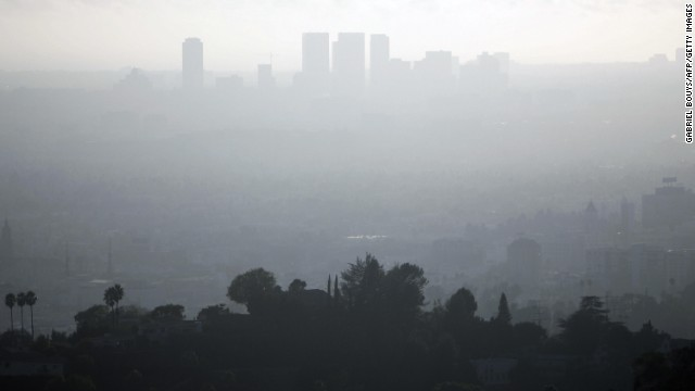A view of downtown Los Angeles is seen on a smoggy afternoon on 2 November 2006.