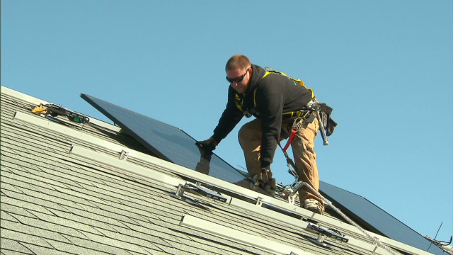 Renting solar panels to save money