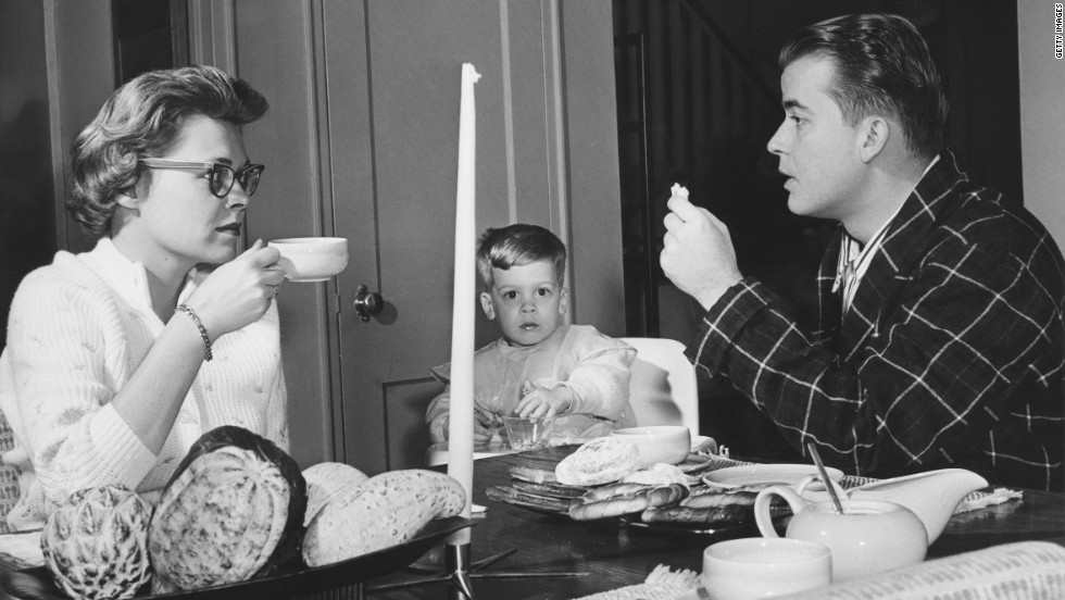 Clark eats breakfast with wife Barbara and son Richard A. Clark, circa 1958.