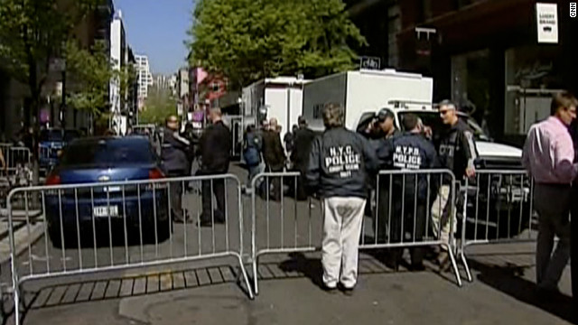 Investigators cordon off a street in SoHo on Thursday as part of the investigation into Etan Patz's disappearance.