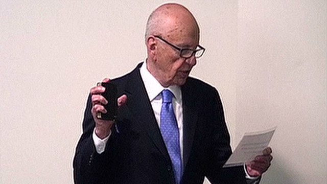 Murdoch takes stand, denies favors