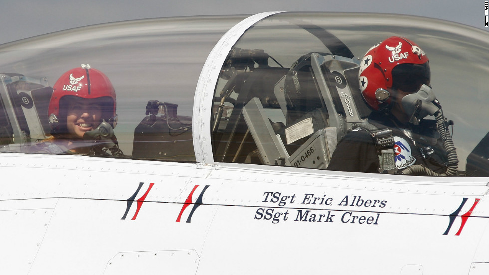 In 2010, just a couple of months after winning the U.S. Open, Creamer flew in an F-16 fighter jet with Kristin Hubbard of the U.S. Air Force Thunderbirds at the Air Force Reserve Base in Pittsburgh, Pennsylvania.