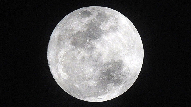 The science behind the supermoon