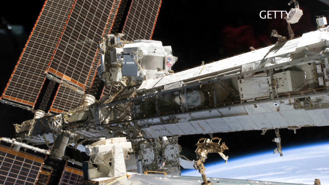 CNN Explains: Commercial space flight