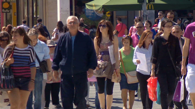 chance.greece.pre.vote_00002513