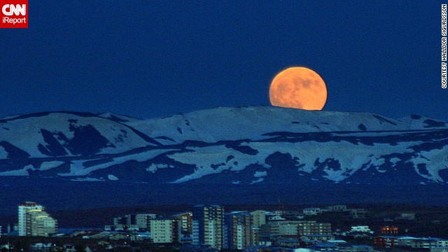 iReporter sees 'spectacular' super moon
