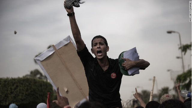 An Egyptian protester shouts slogans against the soldiers ahead of clashes with Egyptian Army last week in Cairo.