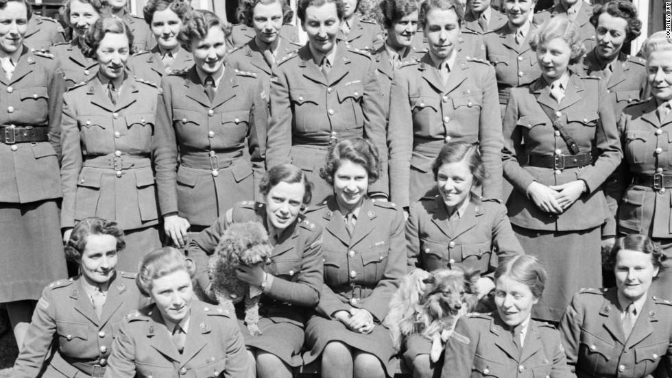 "HRH Princess Elizabeth (center) undergoing instruction at the Auxiliary Territorial Service training centre in April 1945. Courtesy <a href=""http://www.iwm.org.uk/"" target=""_blank"">Imperial War Museum </a>"