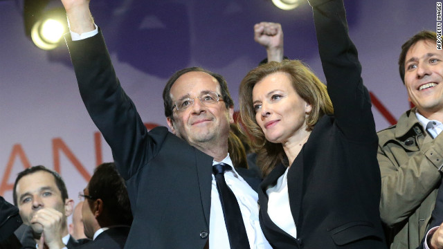 Hollande's ex publishes revealing book