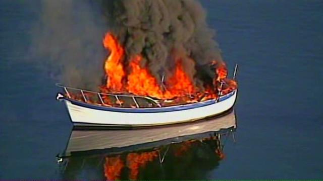 fire boat smoke_00001510