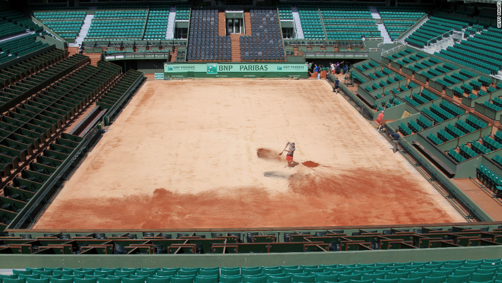 The tournament is seen as an important buildup to the real clay court crown -- the French Open. Players have argued it's difficult enough adjusting to the conditions in Madrid, without then having to change their game at Roland Garros at the end of the month.