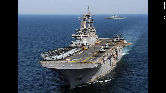 The amphibious assault ship USS Essex experienced a steering malfunction during a fueling rendezvous, the Navy said.