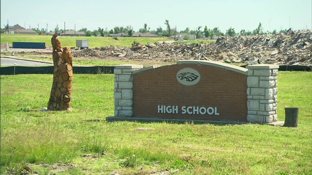 Joplin HS moves to mall after tornado