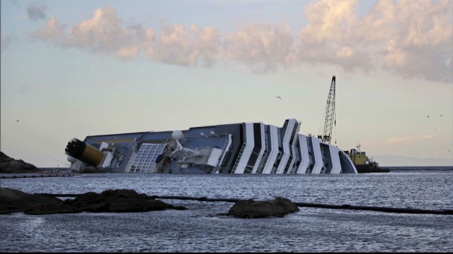 Can the Costa Concordia be salvaged?