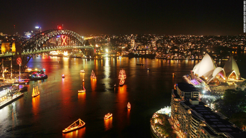 Sydney's iconic harbor is attracting more billionaire bargain hunters, where top-end real estate averages £580 per square foot ($877) according to Savills.