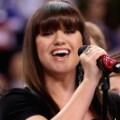 kelly clarkson super bowl anthem