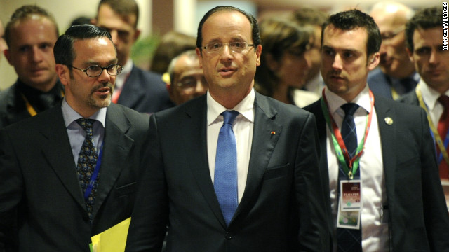 French President Francois Hollande arrives for a press conference after a meeting of European Union leaders in Brussels early May 24 2012.