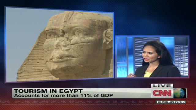 Tourism trickles back into Egypt