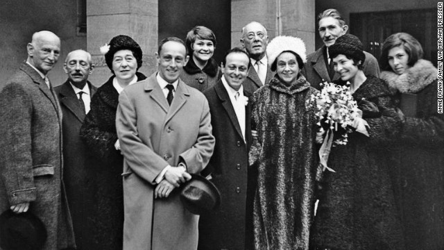 Anne Frank's extended family at the wedding of Buddy Elias (front row, fourth from right) and Gerti (with flowers).