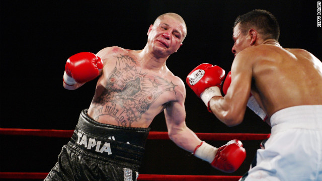Johnny Tapia fights Manuel Medina in a 2002 IBF featherweight championship bout at Madison Square Garden in New York.