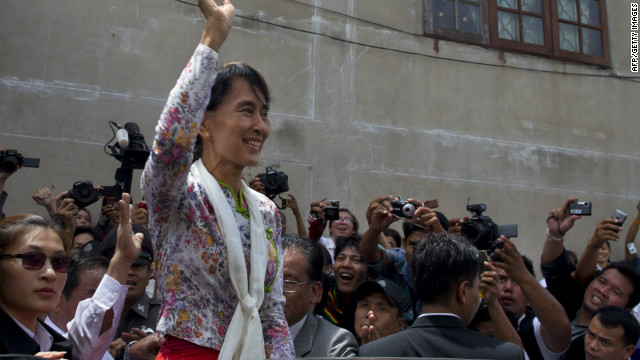 Workers welcome Suu Kyi as 'savior'