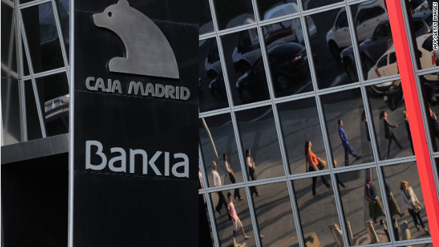 Spain looks for a bank lifeline