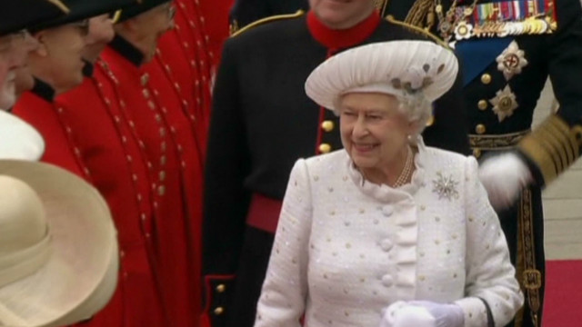 Queen marks diamond jubilee