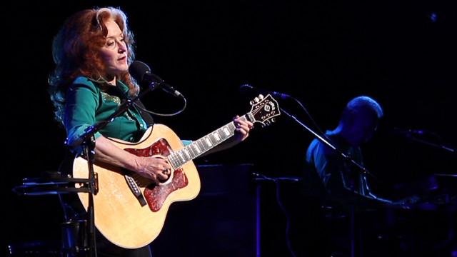 Bonnie Raitt brings her blues back