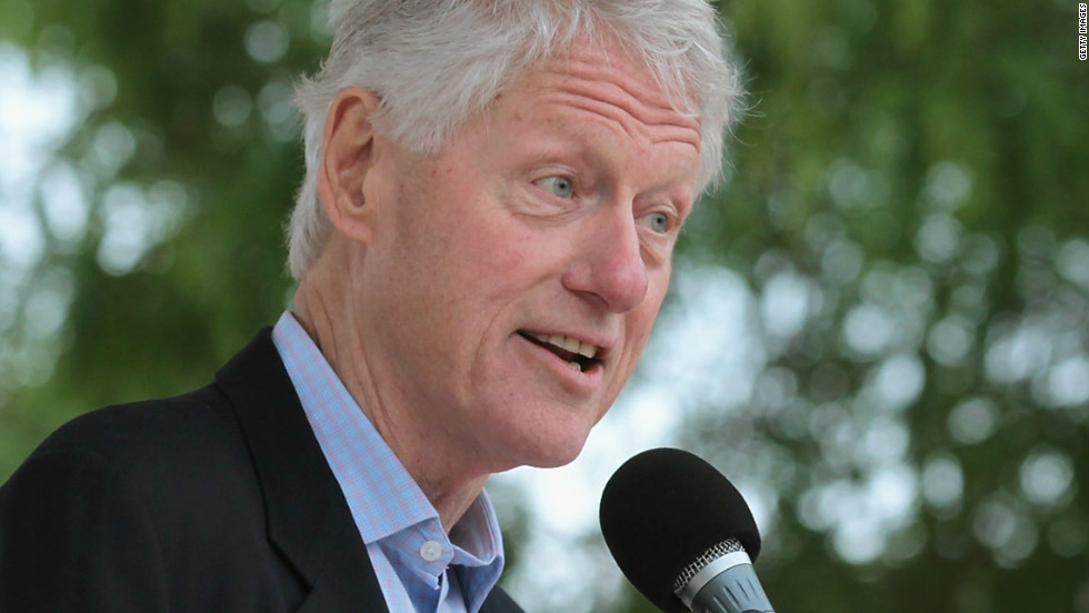 Former president Bill Clinton campaigns for Milwaukee Mayor Tom Barrett who is running against Walker in the recall election.