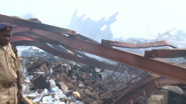 Plane demolishes Nigerian neighborhood