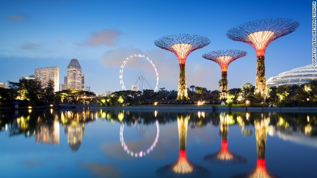 solar powered supertrees at singapores gardens by the bay cnn