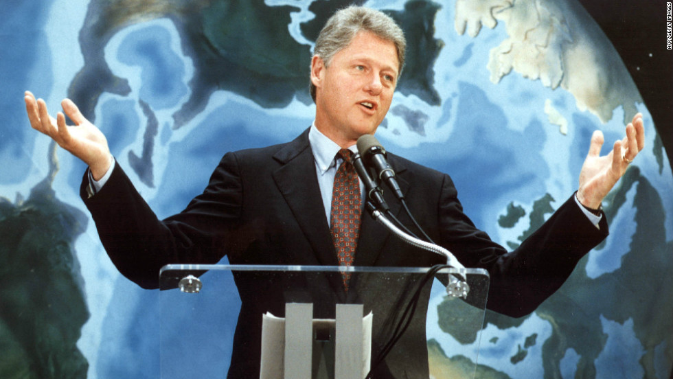 Bill Clinton, then a Democratic presidential nominee, speaks at the 1992 summit in Rio.