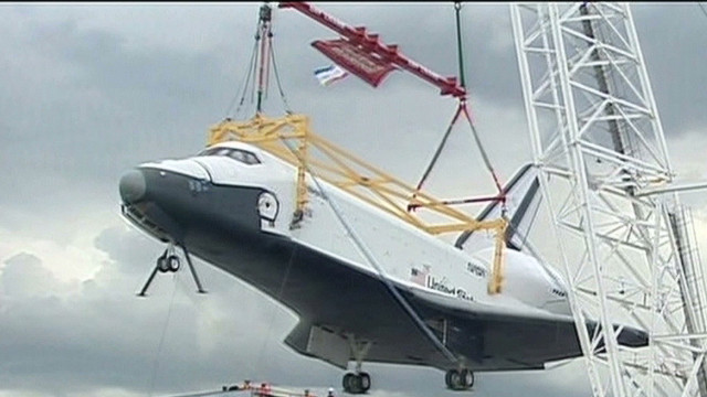 Shuttle Enterprise arrives at new home