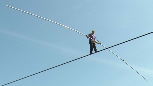 pkg carroll wallenda walk_00021421