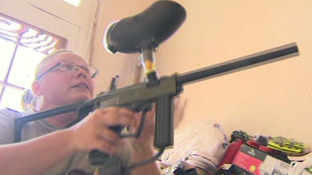 dnt woman defends house with paintball gun_00000903