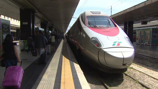 business traveller ferrari train c_00030313
