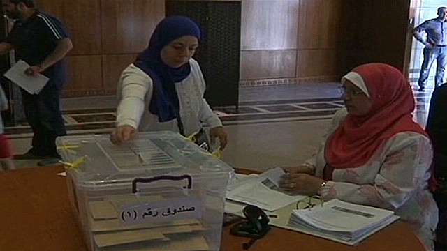 Egyptians vote abroad in historic vote
