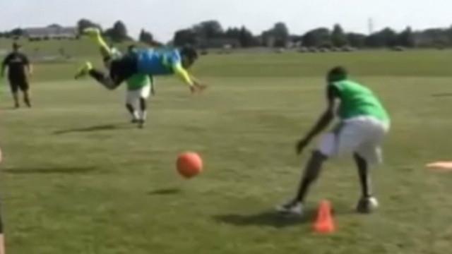 kickball flying somersault winning run_00002623