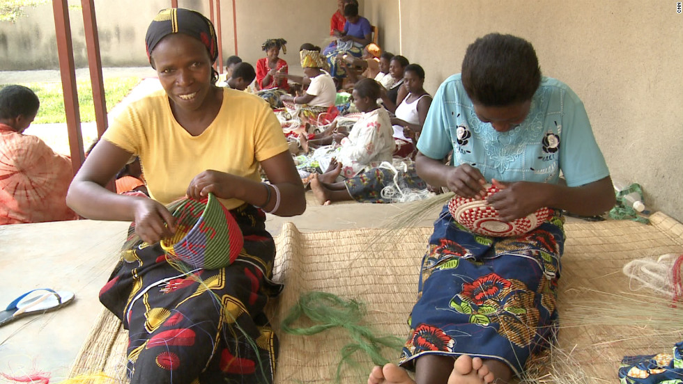 Gahaya Links is a Rwandan handicraft company with over 4,500 employees in more than 40 cooperatives across the country.