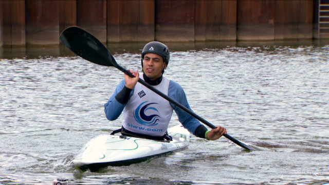 aiming for gold canoeing slalom_00011222