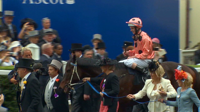 Black Caviar extends winning streak