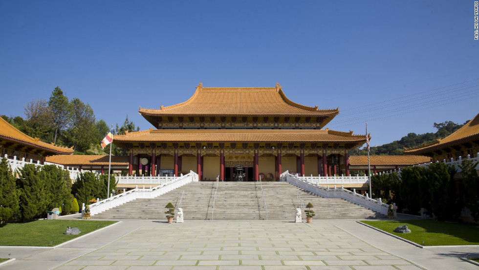 The Hsi Lai Temple's architecture is faithful to the Ming and Ching dynasties, which ruled in China from the 14th to 20th centuries.