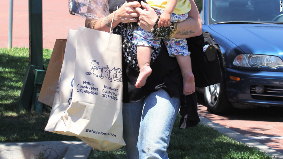 Pink goes shopping with her baby in Malibu.