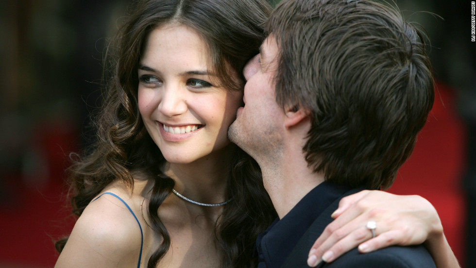 "In June 2005, actress Katie Holmes flashed her engagement ring at the London premiere of ""War of the Worlds."""