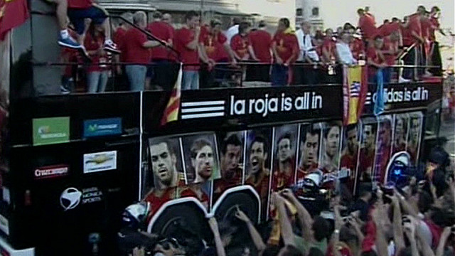 Spain fans celebrate Euro 2012 victory