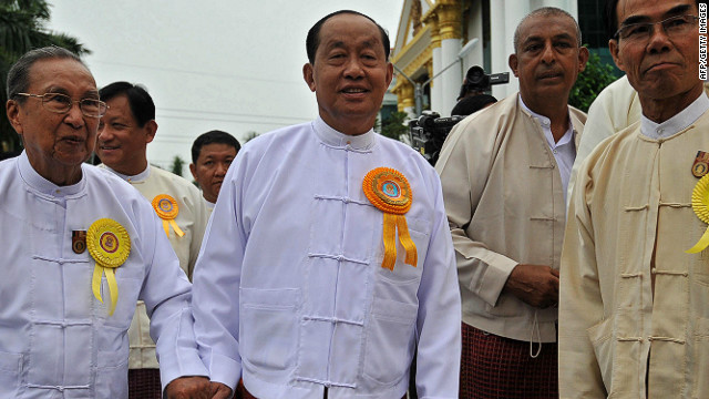 Myanmar's vice president Tin Aung Myint Oo (C) has resigned as of July 1.