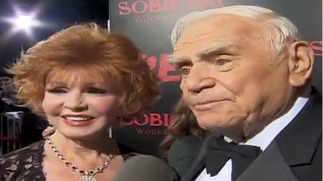 2010: Ernest Borgnine on 'Red' carpet