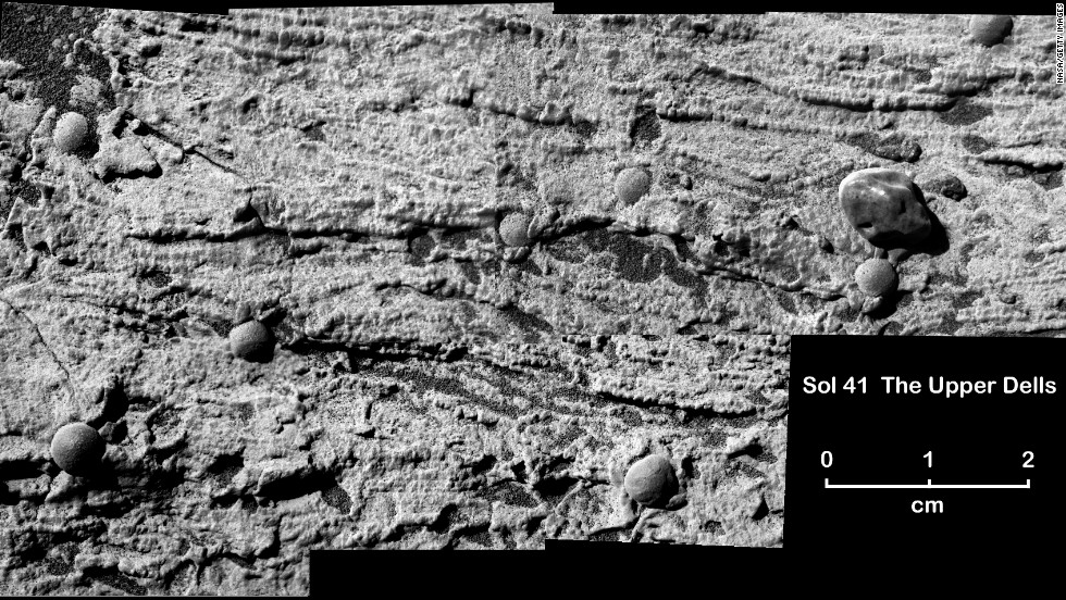 It also discovered evidence that a large area of Mars was covered in water at some time in the planet's past.